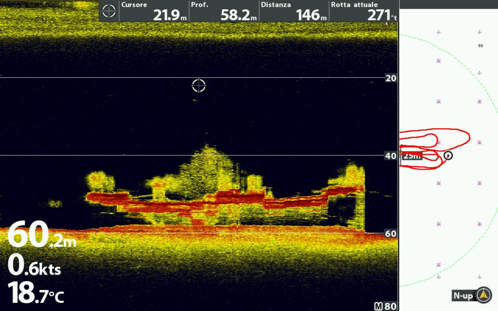 Relitto in assetto di navigazione ripreso con la funzione MEGA Down Imaging